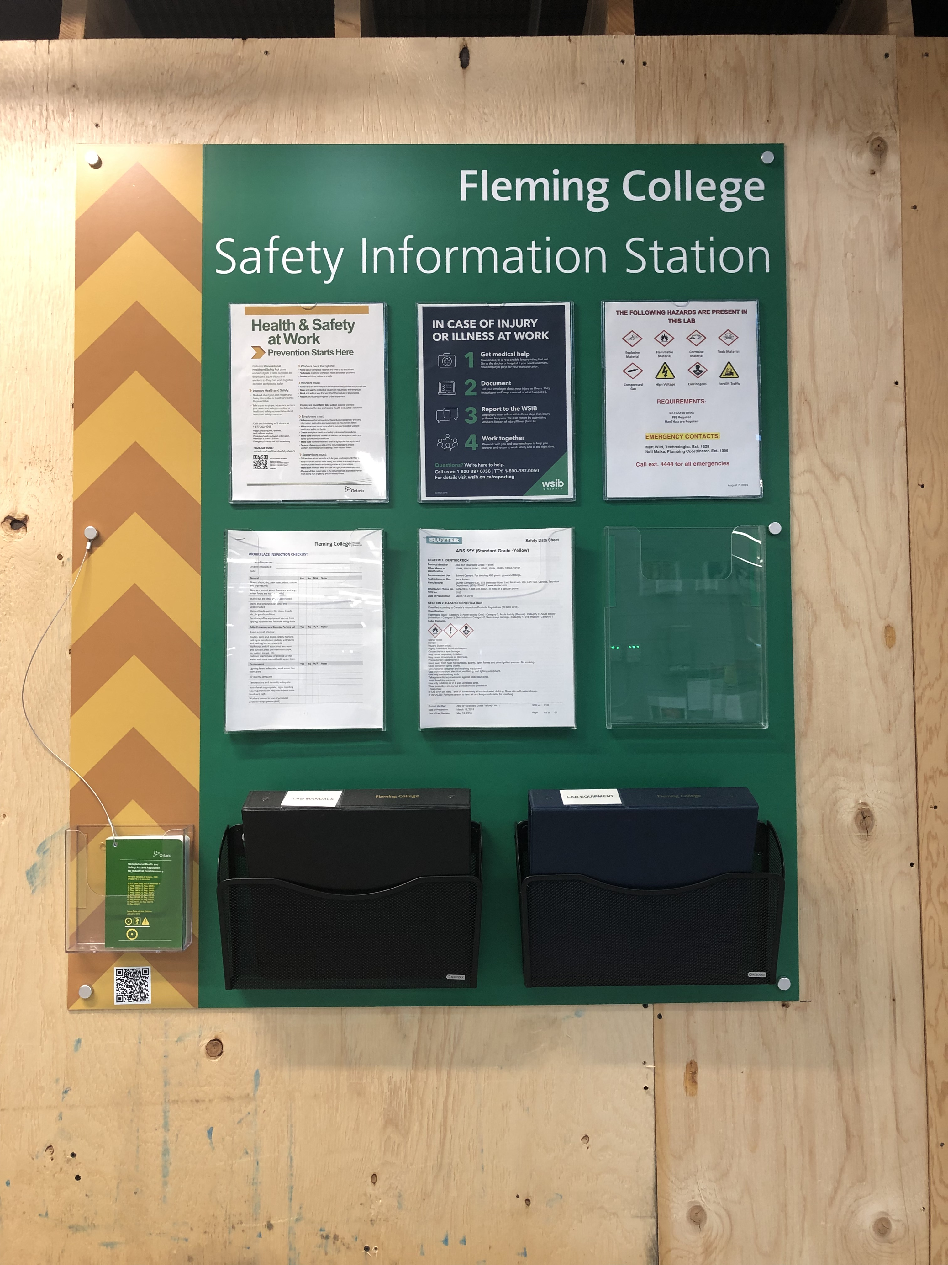 Large Safety Information Station